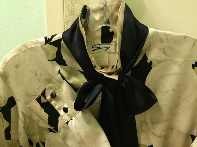 Genny Top off white and black