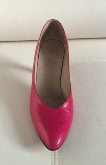 Bruno Magli Fuschia Pumps