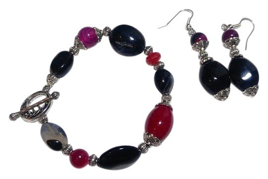 Preload https://img-static.tradesy.com/item/15628546/fuscia-pink-black-silver-new-agate-and-onyx-gemstone-earrings-set-j2582-bracelet-0-1-540-540.jpg