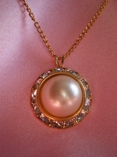Other Like new Pearl w/crystals necklace