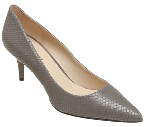 Nine West Gray Pumps
