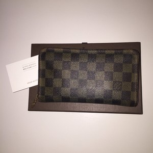 Louis Vuitton Louis Vuitton Damier Zippy Wallet