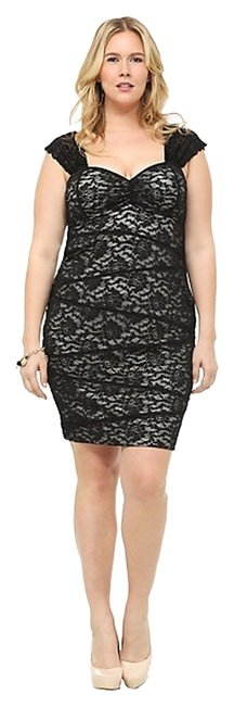 Item - Black and Cream Lace Rose Knee Length Night Out Dress Size 22 (Plus 2x)