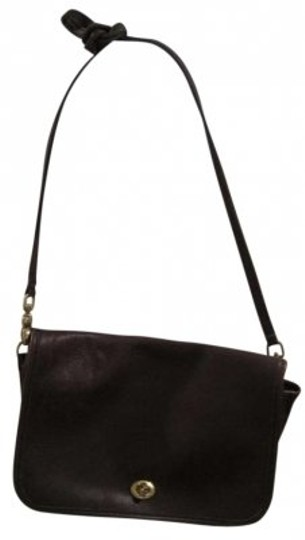 Preload https://item5.tradesy.com/images/coach-vintage-brown-leather-cross-body-bag-156354-0-0.jpg?width=440&height=440