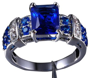 Other Gorgeous blue Tanzanite royal cocktail ring size 8.