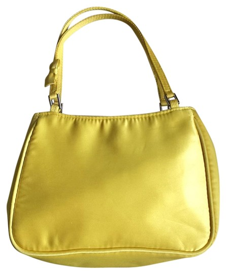 Preload https://img-static.tradesy.com/item/15637885/henri-bendel-yellow-silk-baguette-0-1-540-540.jpg