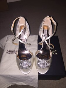 Badgley Mischka Bride Champagne Colored Badgley Mischka Wedding Shoes