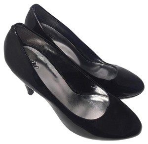 Mossimo Supply Co. Rounded Toe 4 Inch Heels Easy Slip On Classic Black Pumps