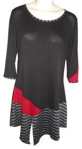 The Pyramid Collection 3/4 Sleeve Knit Tunic