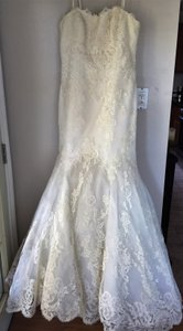 Enzoani Ivory Lace Gown Vintage Wedding Dress Size 12 (L)