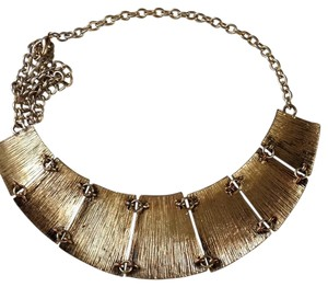 41Hawthorn Bib Necklace