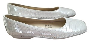 Tod's Off-White Flats