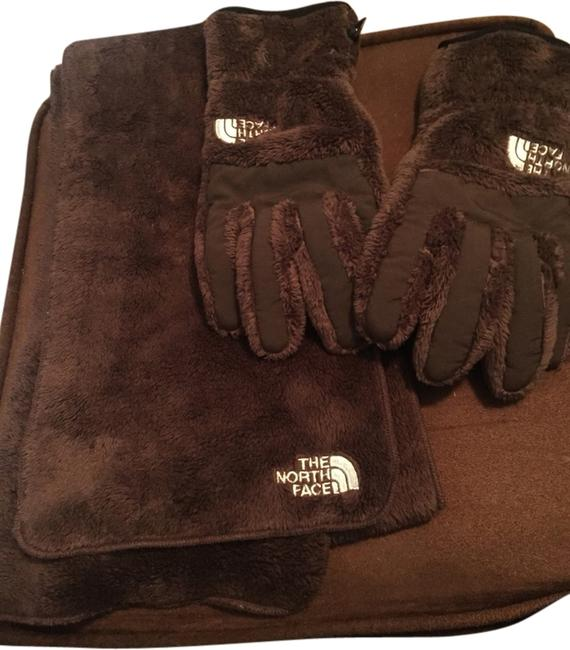 Item - Brown And Gloves Scarf/Wrap