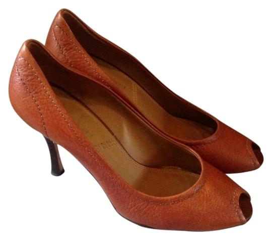 Elie Tahari Leather Peeptoe 8.5 39 Euro caramel Pumps