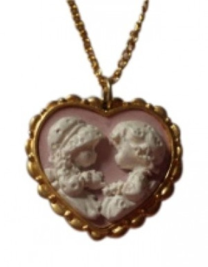 Preload https://item1.tradesy.com/images/vintage-heart-cameo-necklace-156455-0-0.jpg?width=440&height=440