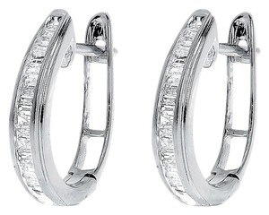 Other 10k White Gold Ladies Baguette Diamond 15mm Oval Hoop Huggie Earrings 0.25ct