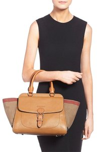 Burberry Tote Nova Check Leather Fall Satchel in Tan Saddle