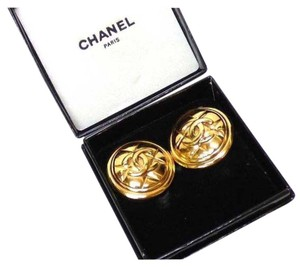 Chanel clip earings