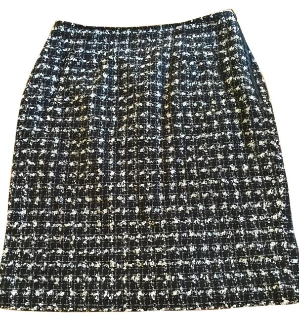 Item - Black and White Boucle Skirt Size 4 (S, 27)