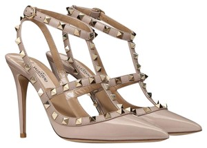 Valentino Classic Rockstud Poudre Embellished Nude Pumps