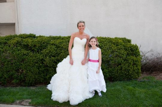 Allure Bridals Ivory Organza 9223 Feminine Dress Size 4 (S)