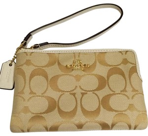 Coach Wristlet in Light Khaki/Chalk