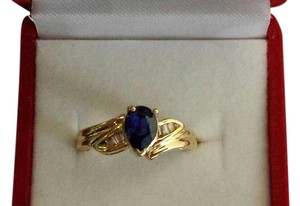 NWT Sapphire and Diamonds 14K Yellow Gold Ring Size 7.5