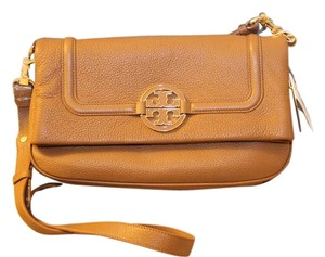 Tory Burch Amanda Folder Cross Body Bag