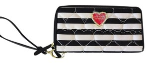 Betsey Johnson Double zip quilted heart black/bone stripe wallet /