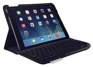 LOGITECH NIB Logitech TYPE + Protective case with integrated keyboard for iPad Air