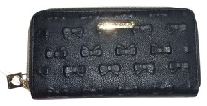 Betsey Johnson Debossed bows zip around black wallet / gift boxed