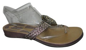 Nine West Leather Thong gold & black Sandals