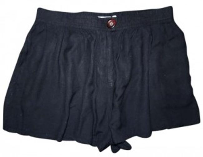 Preload https://item5.tradesy.com/images/urban-outfitters-black-silence-noise-drapey-full-skort-size-12-l-32-33-156564-0-0.jpg?width=400&height=650