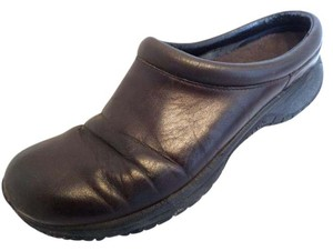 Merrell 11 Leather Loafers Brown Mules