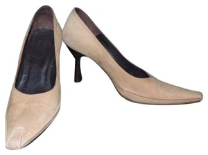 Donald J. Pliner Stacked Heel brown Pumps