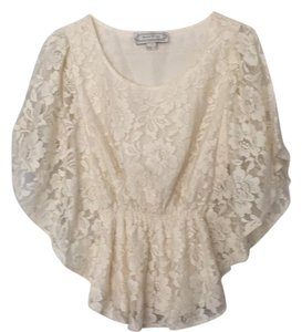 Beyond Vintage Top Cream