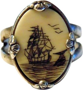 Vintage Scrimshaw and Sterling Silver Ring with Flower Detail