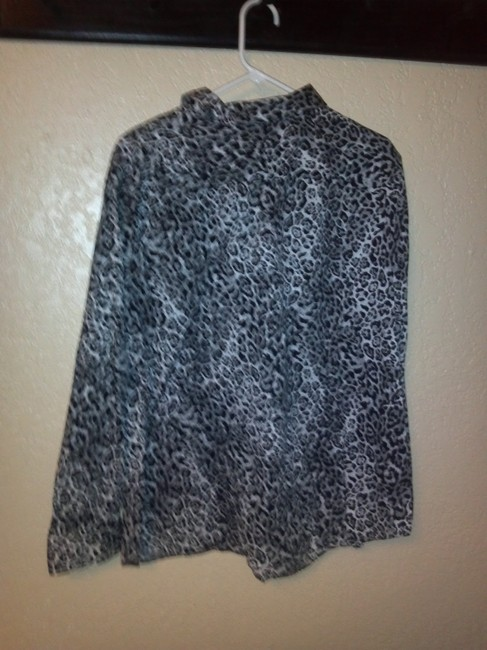 Chaps Leopard Long Sleeve Button Down Shirt Black and whte