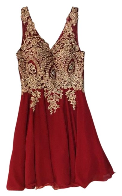 Item - Red and Gold Knee Length Formal Dress Size 2 (XS)