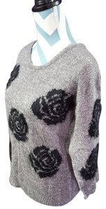 Cable & Gauge Flower Knit Sweater
