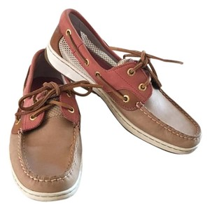 Sperry Tan/Coral Flats