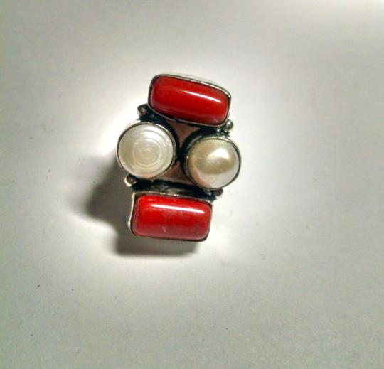 Other Red Corral & Pearl Ring Sterling Silver Size 7 Gemstone J511