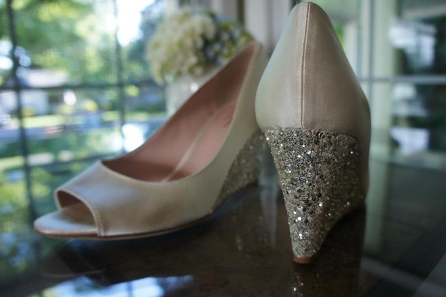 Item - White/Silver Wedges Size US 8