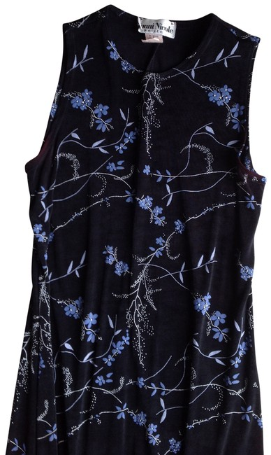 Preload https://item5.tradesy.com/images/black-with-periwinkle-floral-design-night-out-dress-size-petite-10-m-156709-0-0.jpg?width=400&height=650