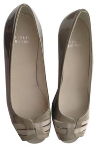 Stuart Weitzman Pump Pearl Patent Leather Open Toe Pearlized Taupe Wedges