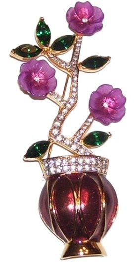 Unknown Flower in Vase Brooch