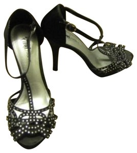 Fioni Pump High Heel Black Silver studs Pumps