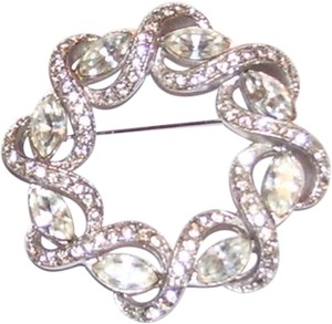 Unknown Vintage CZ Round Brooch