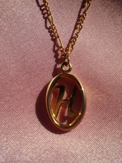 Unknown Like new goldtone initial H necklace