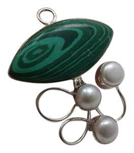 Other Malachite and Pearl Pendant no chain w free shipping